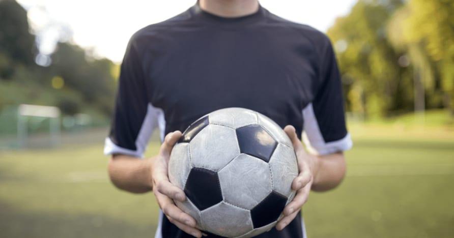 Virtuelt sportsspill vs vanlig sportsspill: Hva er bedre?